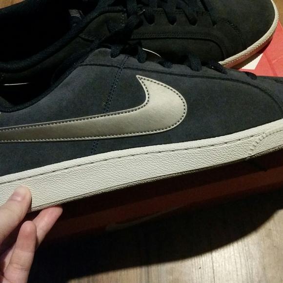 concierto cantidad de ventas Artesano  Nike Shoes | Nike Court Royale Navy Blue Sneakers Mens Size 2 | Poshmark